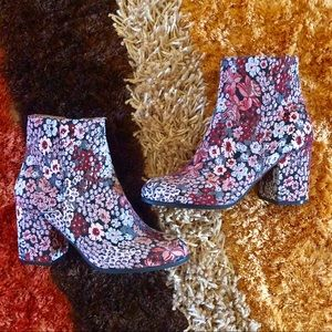 Qupid Rannel Floral Brocade Ankle Boots Booties